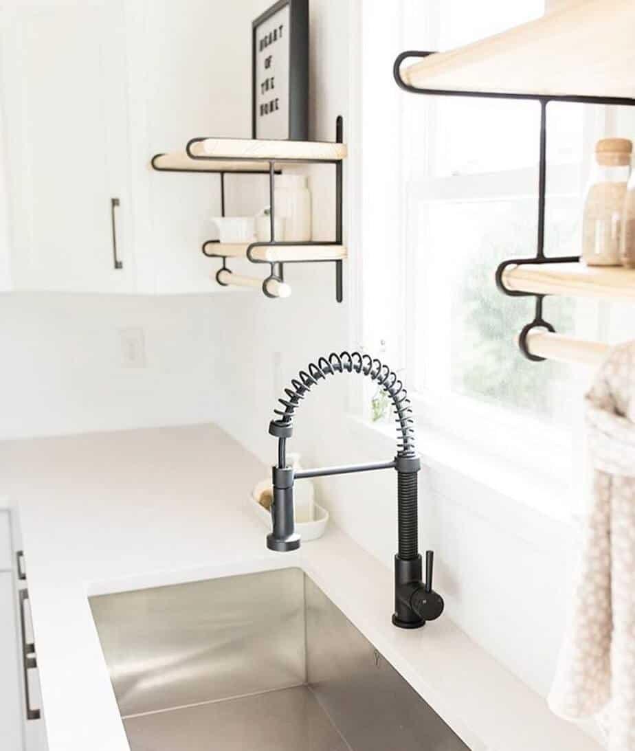 Interior-design-trends-2019-kitchen-minimalism-style