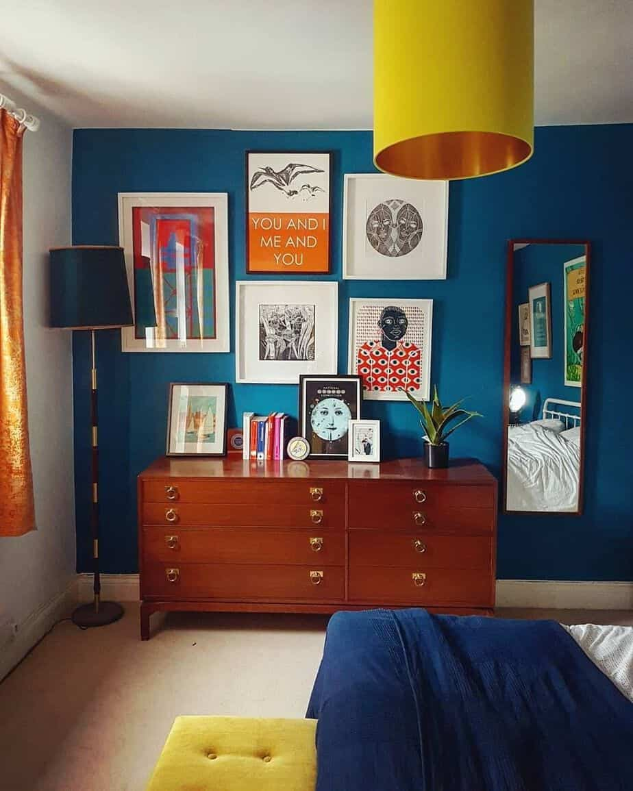15 Peaceful Asian Living Room Interiors Designed For Comfort: Interior Color Trends 2021: The Most Stunning Shades Of