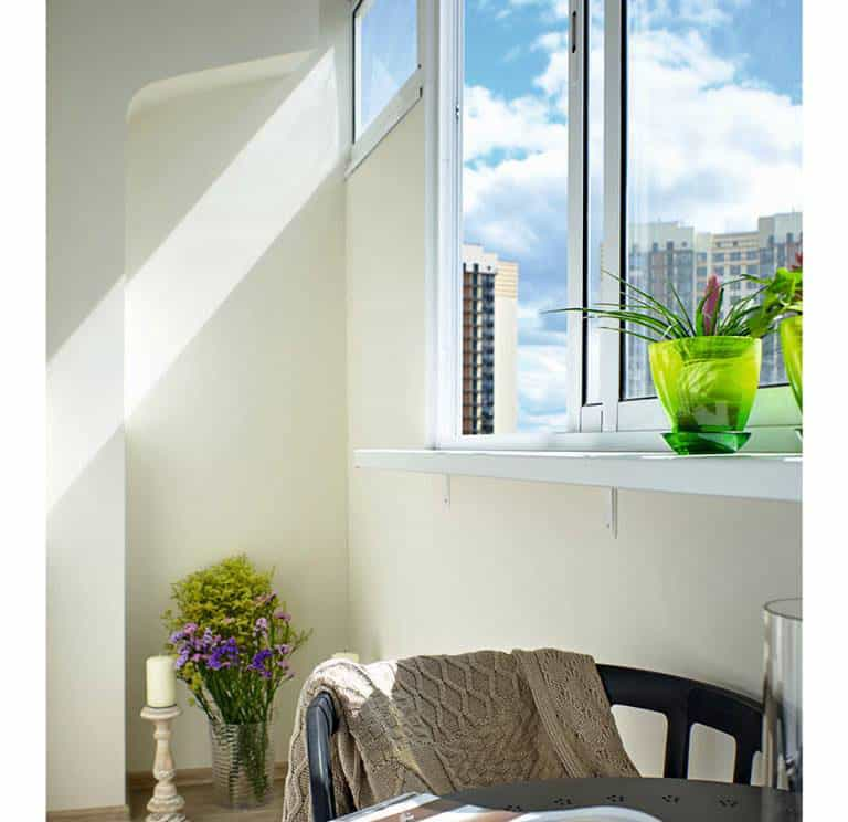 living-room-design-ideas-2021-white-living-room-window